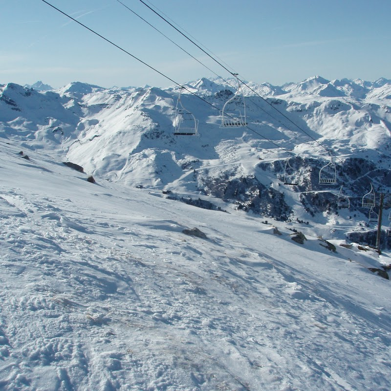 Meribel_04 Chairlift from Saulire.jpg