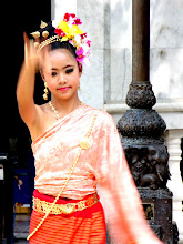 Photo: Day 336 -  Dancer at the Wat in  Doi Suthep #3