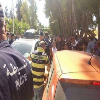 Taxe de 30 DT : rassemblement de protestation devant le consulat tunisien à Tébessa