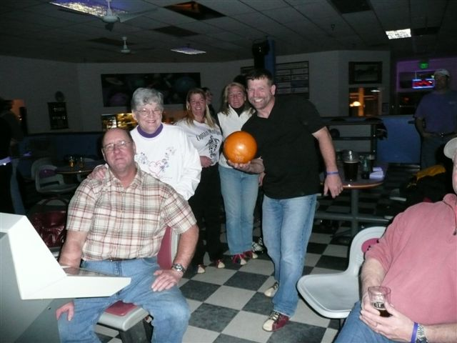 2008 Bowling & Bonfire - P1000025.JPG
