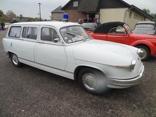 2017.04.30-018 Panhard PL17 ambulance 1964