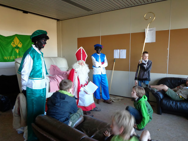 Sinterklaas op de scouts - 1 december 2013 - DSC00232.JPG