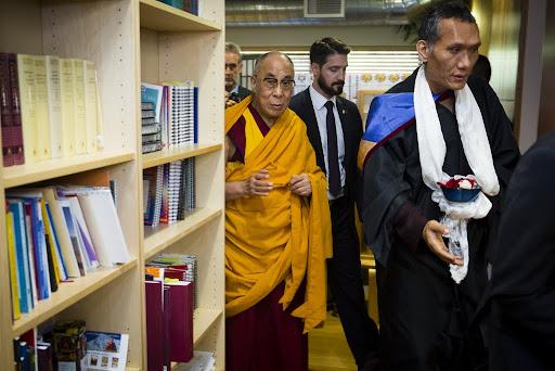 His Holiness the Dalai Lama tours FPMT International Office led by Yangsi Rinpoche, Portland, Oregon, U.S., May 10, 2013. Photo by Leah Nash.