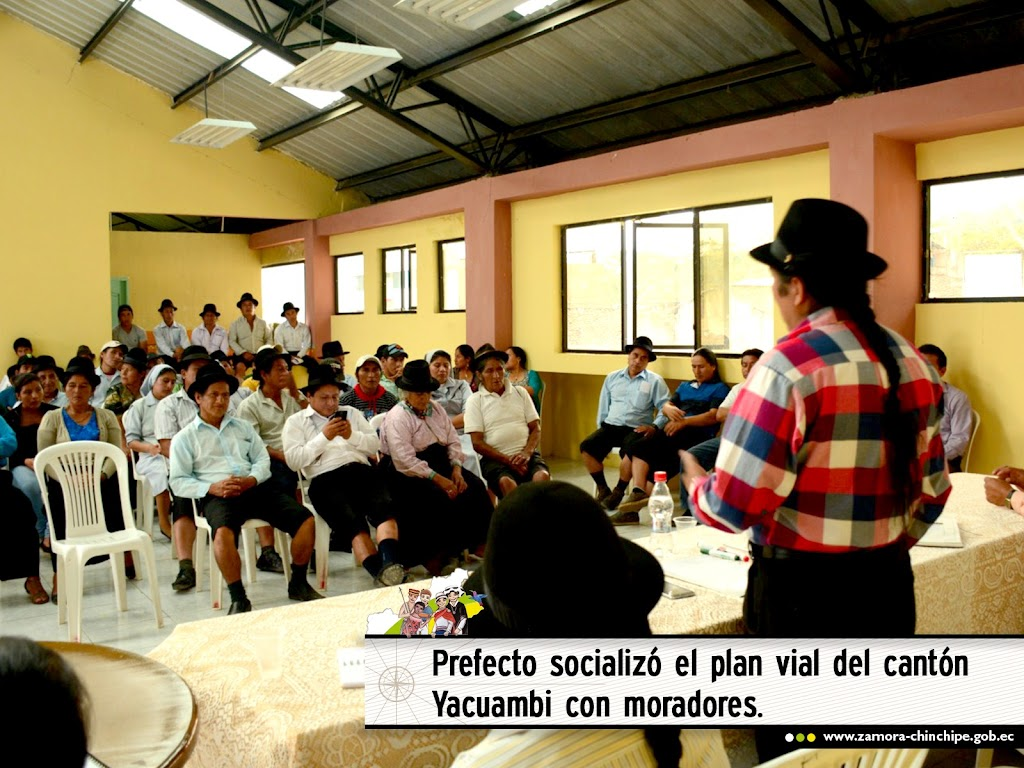 PREFECTO SOCIALIZÓ EL PLAN VIAL DEL CANTÓN YACUAMBI CON MORADORES.