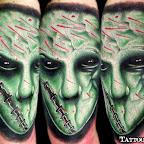 13-alien-tatouage-vert-visage-monstre.jpg