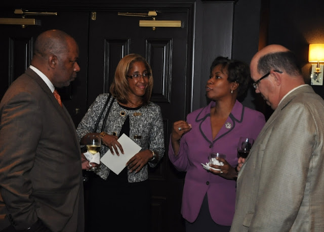 Sept. 2011: MAC Hosts NFBPA President & Executive Director - DSC_0026.JPG