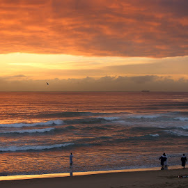 Good Morning! by Gavin Plessis - Landscapes Sunsets & Sunrises ( sunrise ocean beach clouds, sunrise, sunrise ocean, sunrise ocean beach, sunrise ocean beach cloudsdurban )