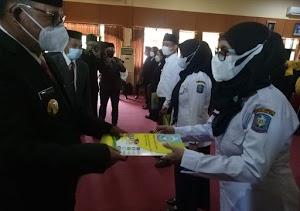 Wakil Bupati Soppeng Serahkan Secara Simbolis SK PPPK Sebanyak 27 Tenaga Guru dan 36 Penyuluh Pertanian