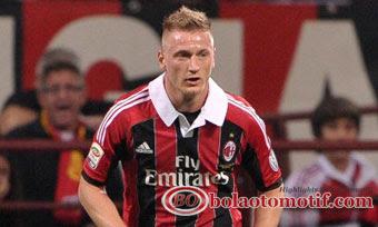 Pemain AC Milan 2013 lagi Trend Gaya Berambut Mohawk