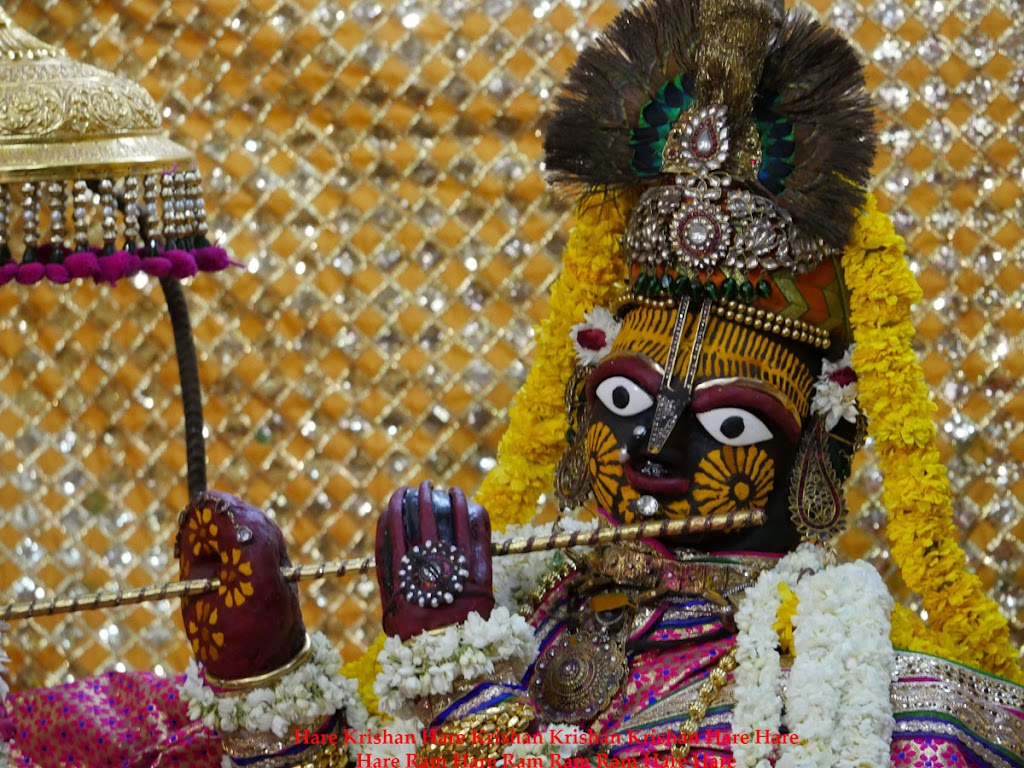 Radha Govind Devji Deity Darshan 30 Mar 2016  (8)