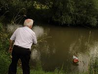 41 A baráti kör koszorúja a folyón.JPG
