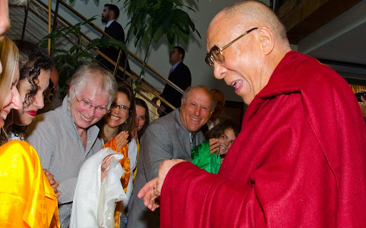 His Holiness the Dalai Lama joking with FPMT International Office staff and board members, Portland, Oregon, U.S., May 10, 2013. Photo by Marc Sakamoto.