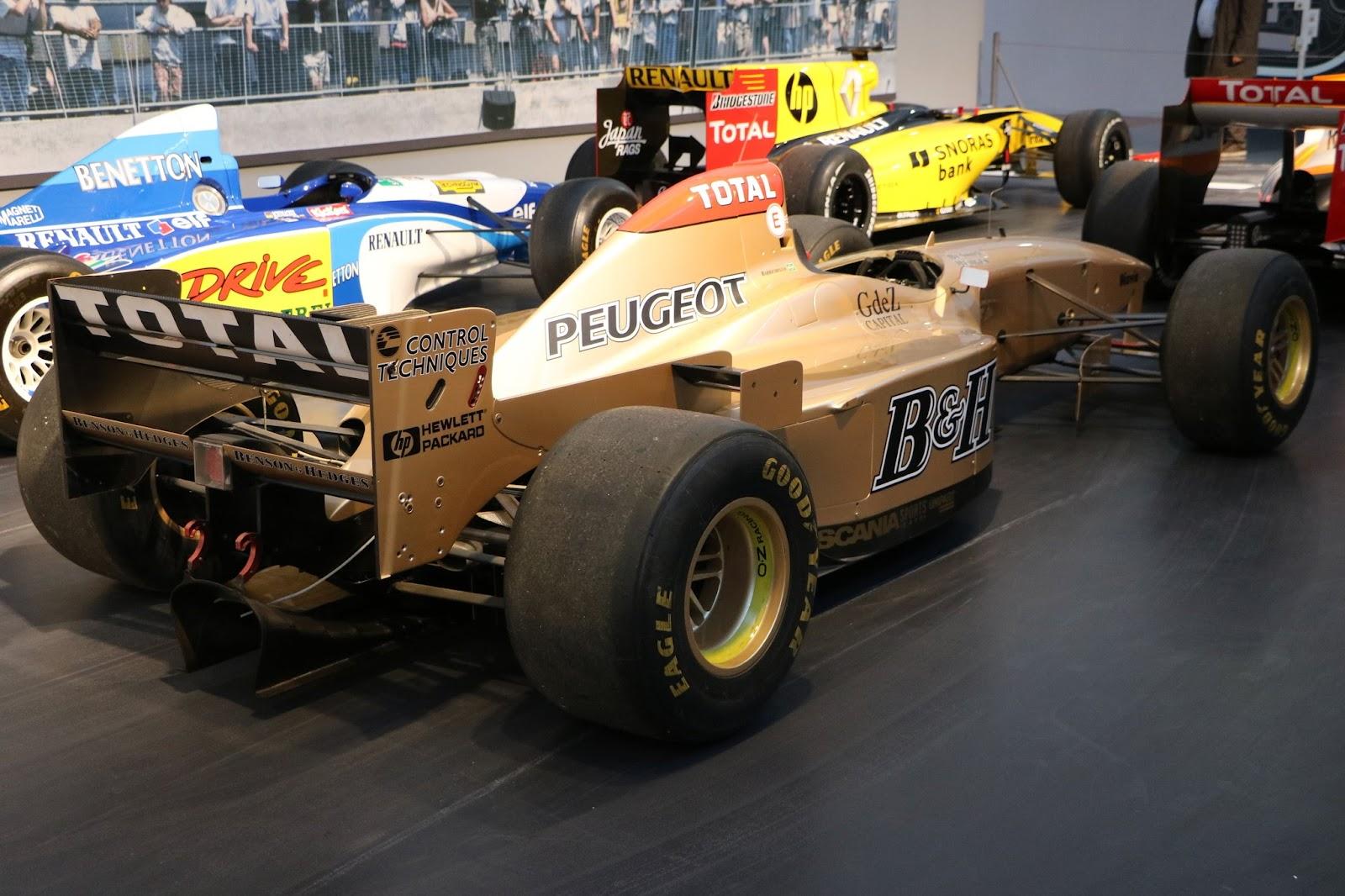 Schlumpf Collection 1206 - 1995 Jordan-Peugeot F1 195.jpg