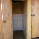 Bezoek nov./dec. 2011 - Bouw Toilet - PC290805.jpg