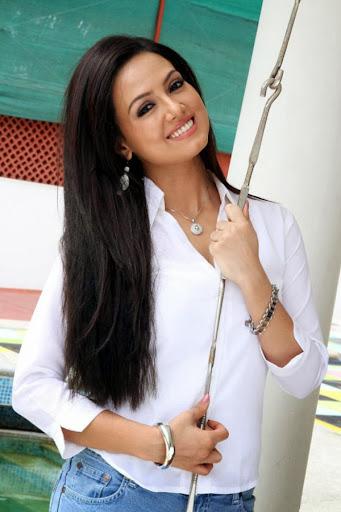 Sana Khan Photos