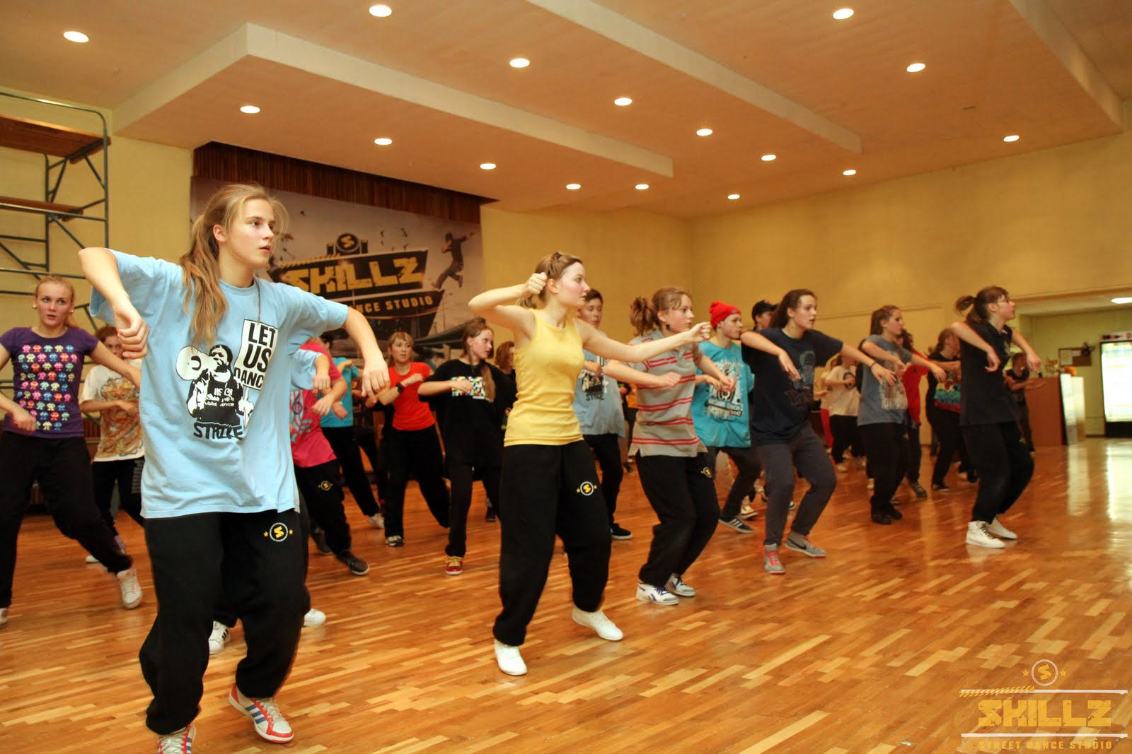 Hip- Hop workshop with Shaadow (UK) - IMG_1791.jpg