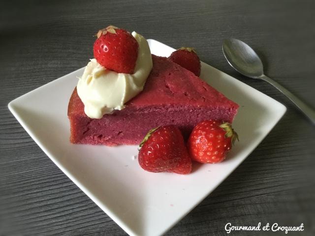 cake-fondant-fraise-recette-facile-gateau-gourmand