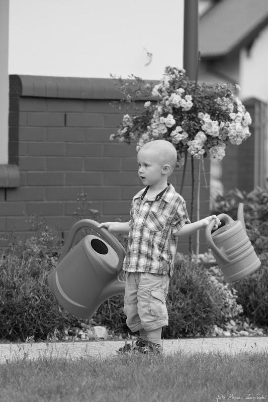 sesja zabawy w ogrodzie Portrety dzieci