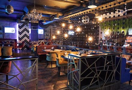 Банкетный зал Эндорфин Шоу-бар караоке для корпоратива