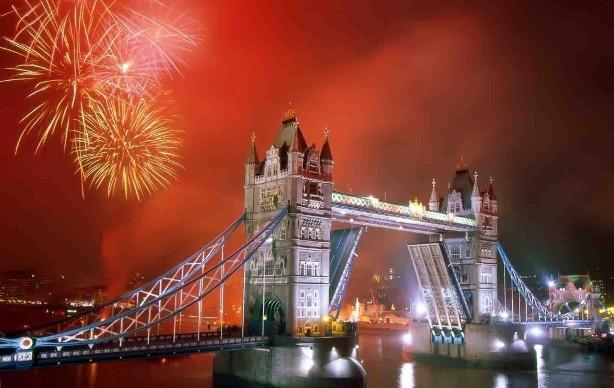 파일:external/newyearseveblog.com/london-nye.jpg