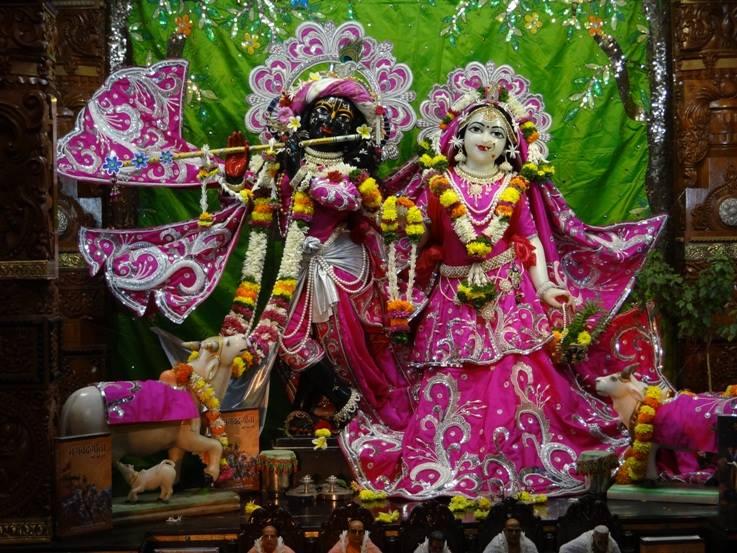 ISKCON Nigdi Deity Darshan 19 Dec 2015 (5)