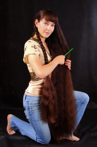 Extremely beautiful very long hair girl photos images