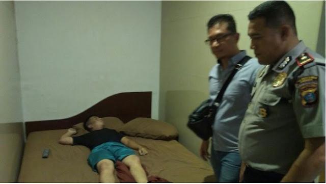Kel Indra Kasih Kecamatan Medan Tembung ditemukan tak bernyawa di salah satu kamar Hotel  Kelelahan Berhubungan Badan dengan Janda Cantik Sampai Subuh, Pemuda 26 Tahun Tewas Membiru