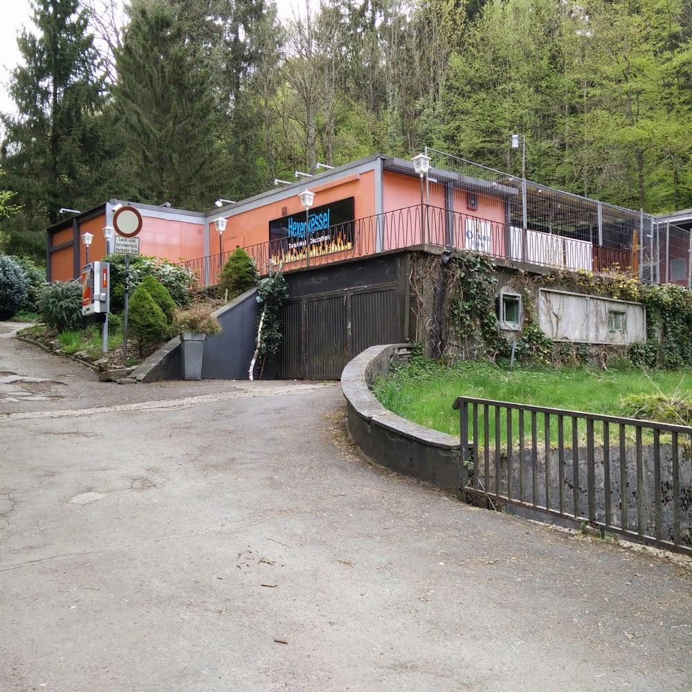 Bikertreff Garage (Aggertalhöhle) Folge: Scharfe Bräute, ganze Kerle