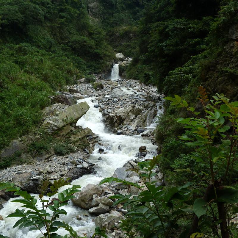 Puli  en passant , entre autres, par les villages de l ethnie Bunum de Loloko et Dili. J 10 - P1170014.JPG