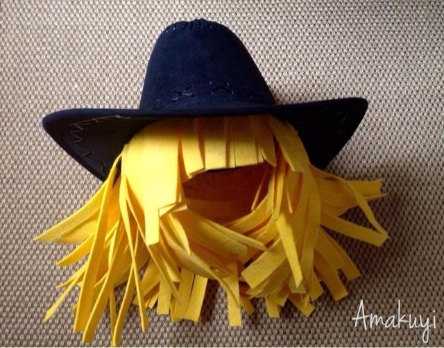 Carnavales-tocado-peluca-fregona-reciclaje