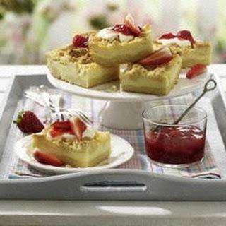 Käse-Streusel-Schnitten mit Erdbeeren