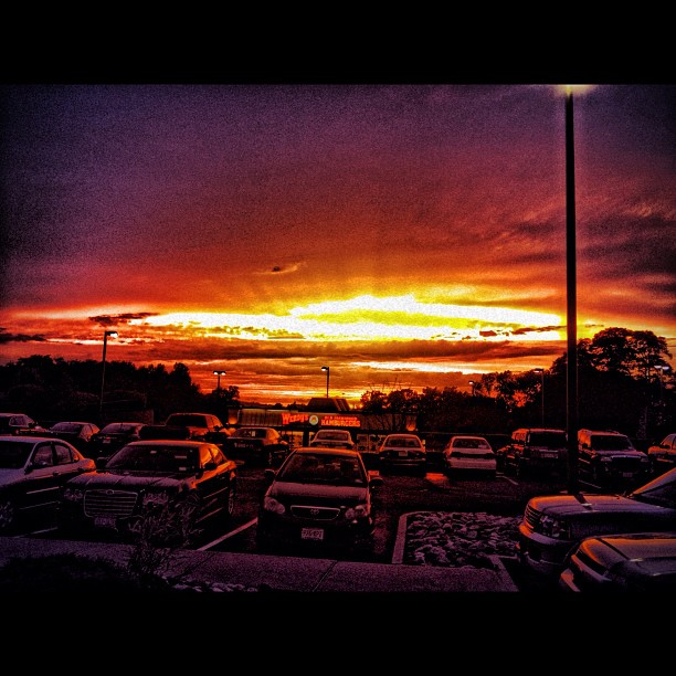 #landscape #iphoneonly #iphone #igaddict #hdr #sunset #skyonfire #wendys #fastfood by Anthony Bryant - Instagram & Mobile Instagram