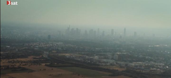 Luftverschmutzung aus dem Flugzeug betrachtet.