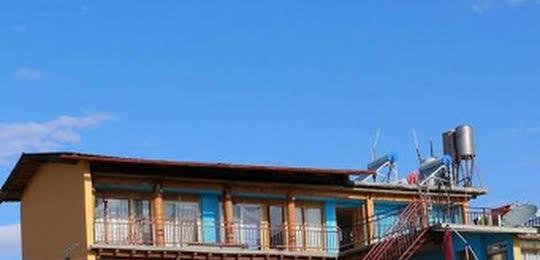 Shangri-La Maji Sunflower Inn