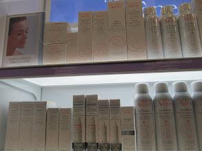 Photo: Y productos de belleza, también fueron agregados al carrito.