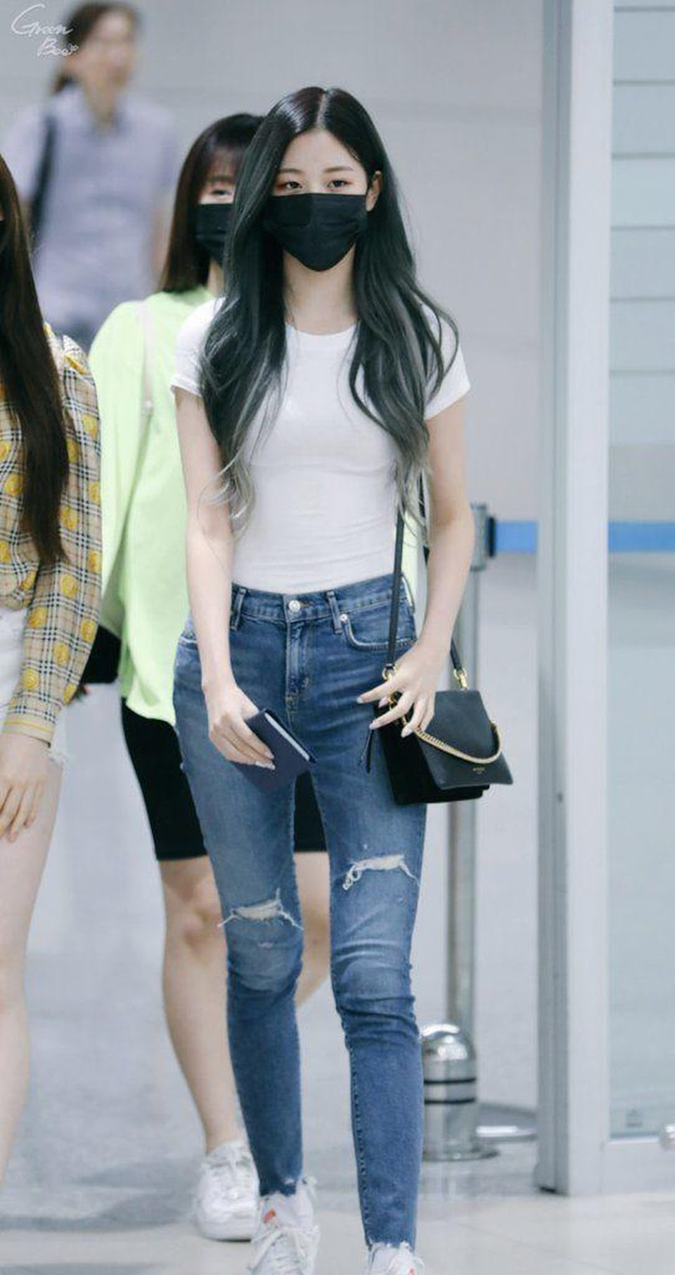 jang wonyoung izone3