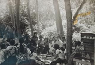 Photo: En la Jira con el tractor. Proveedor: Flori Martínez. Año: 1970.