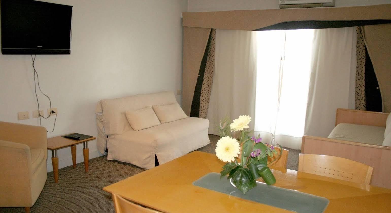 Urbana Suites