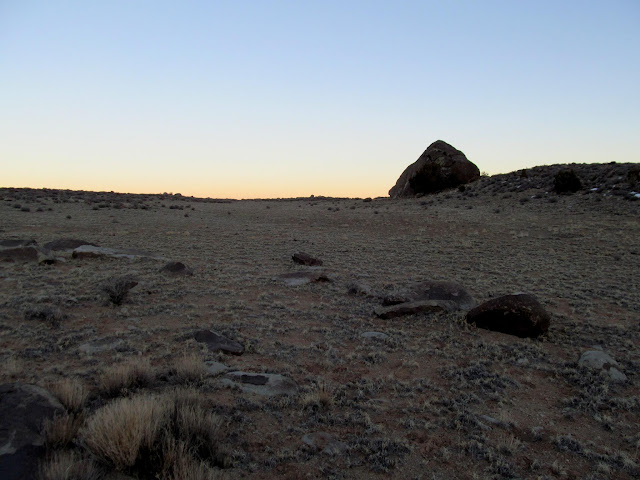 Seeking out large boulders