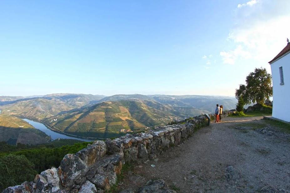 São Leonardo de Galafura (Régua), um miradouro com vista sobre o Douro | Portugal