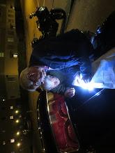 Photo: Gilbert och Jan letar på Björcksgatan