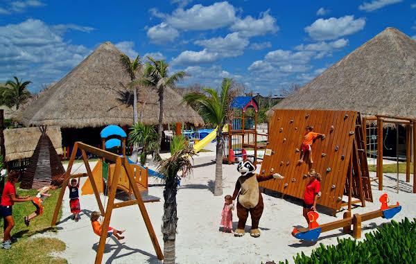 Grand Palladium White Sand Resort and Spa