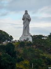 Photo: Красивая и огромная статуя Христа смотрящегона Гавану.