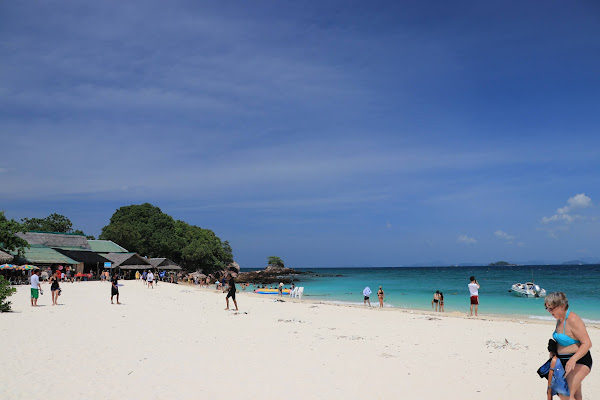 First stop at Koh Khai for snorkeling