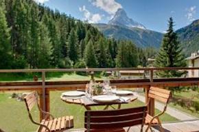 155 sqm Chalet Apartment Next to the Slopes in zermatt