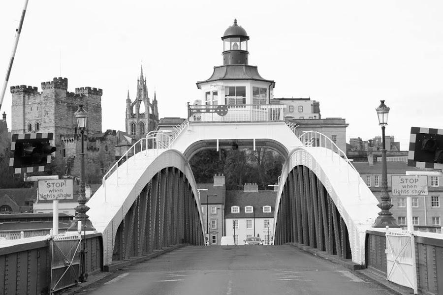 by David Millican - Black & White Buildings & Architecture