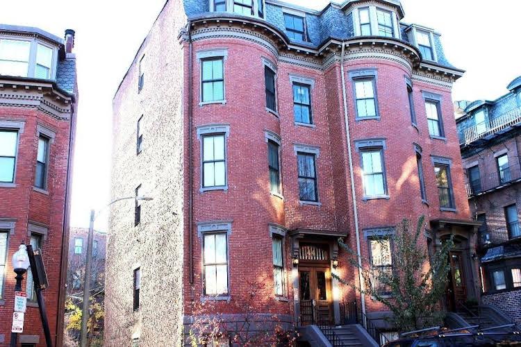 Concord Square Suites