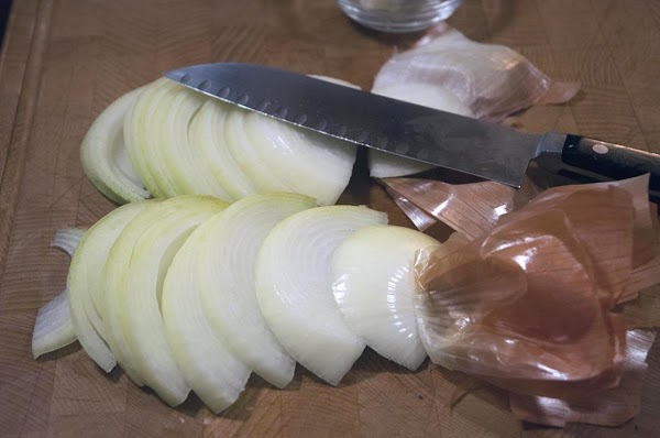 Cut the two halves into thick half-moon slices.