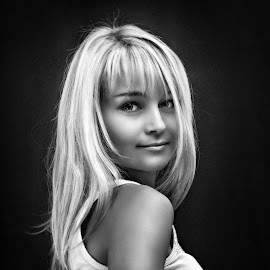 by Sergey Kuznetsov - Black & White Portraits & People ( yong woman, beauty, model, blonde, girl )