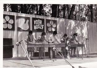 Photo: Nagy Éva, Molnár Zsófia, Károlyi József, Nagy Denisza, Beke Mária és aki énekel Károlyi Katika.